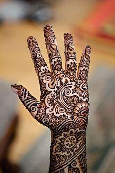 1000 images about mahindi on pinterest negative space mehndi designs on pinterest arabic henna henna hands