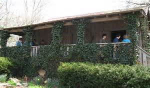 dolly parton s childhood home in tennessee