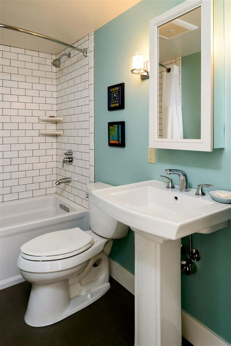 Pedestal Sink Bathroom Ideas by 5 Creative Solutions For Small Bathrooms Hammer Amp Hand