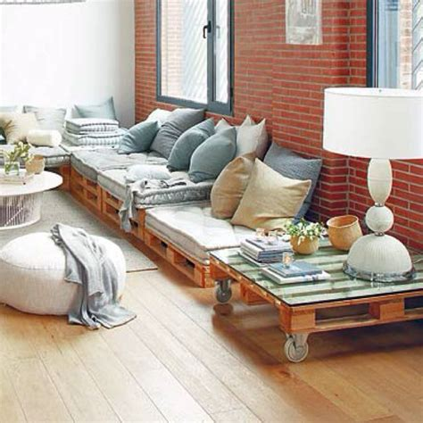 four on a couch rules best 25 wood pallet couch ideas only on pinterest