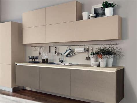 maniglie per cucine componibili cucina componibile in legno senza maniglie essenza