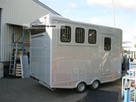 truck room steinberger 3 with living room shower fridge 2010
