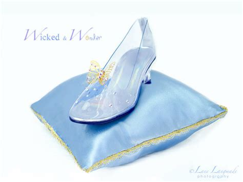 the gentleman s search the glass slipper chronicles books cinderella glass slipper clip www pixshark