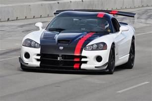 dodge viper srt10 acr shatters corvette zr1 s record at
