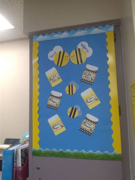 newspaper themed bulletin board 117 best images about bumblebee themed classroom on