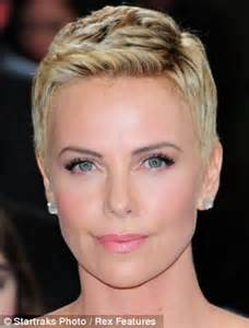 ahoet hair for age 47 how the age 46 is when women decide to cut hair short in