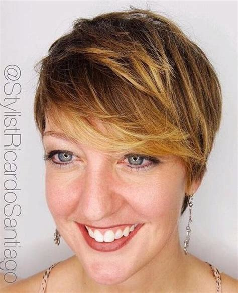 brown pixie with blonde highlights short sassy haircuts therighthairstyles com