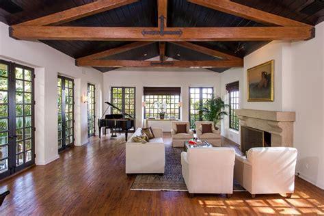 spanish villa style homes celebrity homes jodie foster s spanish villa in los