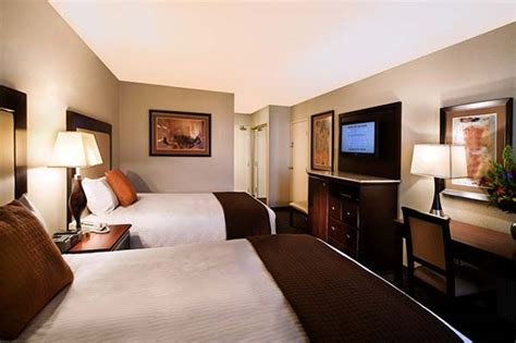 las vegas deluxe room riviera hotel las vegas hotels las vegas direct