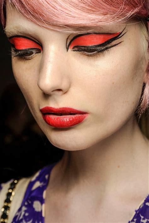 Maskara Sui makeup looks from the runway