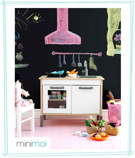 mini sofas para niños mini cocinas en una pared