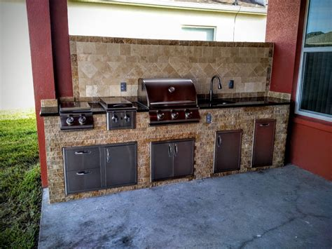 outdoor kitchen backsplash ideas outdoor kitchen backsplash 12 outdoor kitchen with 9 bar