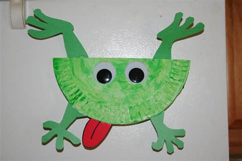 Paper Frog Craft - creative learning jumping frog
