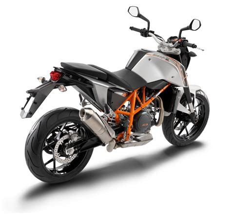 2013 Ktm Duke 690 2013 Ktm 690 Duke Photo Gallery Enduro360
