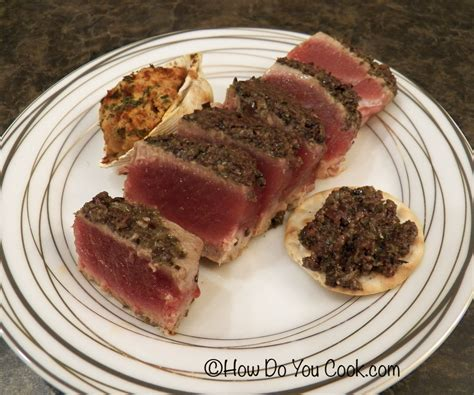 how do you cook com tuna steaks with tapenade coating