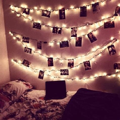 decorate room with lights 1000 ideas about picture string on bed