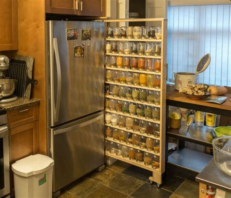 7 Spices To Keep In Your Rack by Best 25 Pallet Spice Rack Ideas On