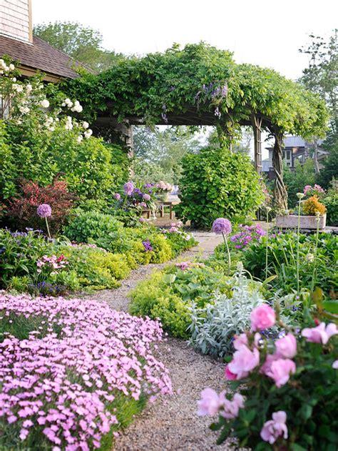 create  magical garden  inspired room