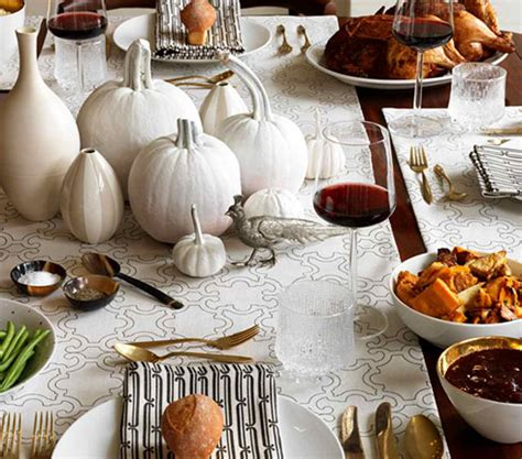 Modern Thanksgiving Decor by 55 Beautiful Thanksgiving Table Decor Ideas Digsdigs