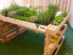 faire une table de jardin avec des palettes homesus net