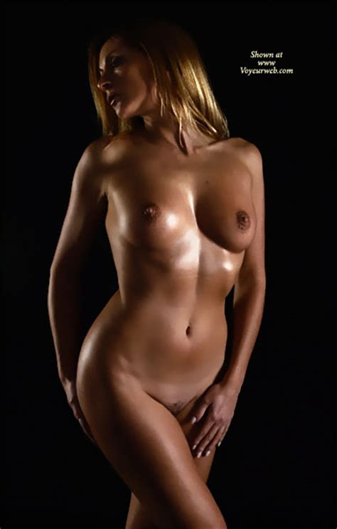 Artistic Nude With Oil May 2008 Voyeur Web Hall Of Fame