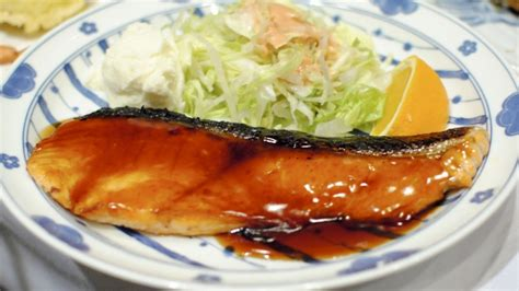 cucinare il filetto di salmone come preparare il filetto di salmone in salsa teriyaki con