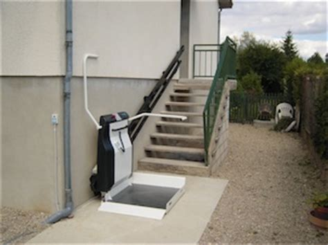 monte escalier uzes monte escalier uz 232 s monte escalier uz 232 s uzes plate forme monte escalier gard