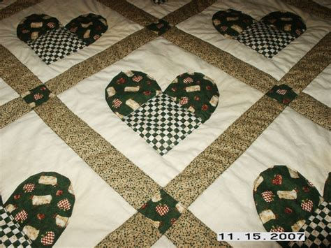 heart shaped quilt pattern heart shaped quilt top view quilts sewing knitting