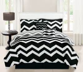 Piece queen chevron black comforter set