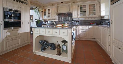 landhausküchen rausfallschutz bett senioren