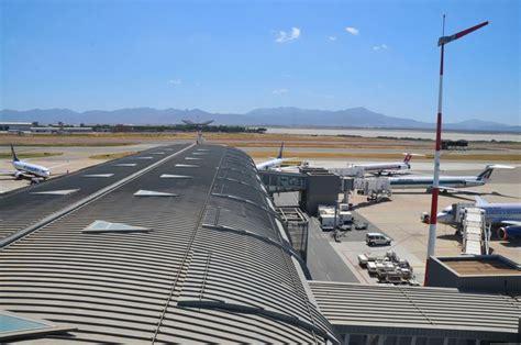 cabina aereo fumo in cabina aereo ferma il decollo italia per me