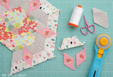 smitten quilt pattern kingwell tied with a ribbon smitten quilt my english paper