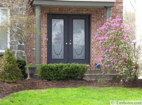 Front Door Landscaping Ideas Front Door Color And Neat Yard Lndscaping Ideas Simple Home Staging Tips In