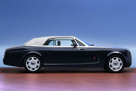 luxury rolls rolls royce reportedly mulling luxury style myautoshowroom