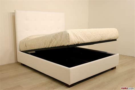letto contenitore in pelle letto contenitore matrimoniale con testiera imbottita