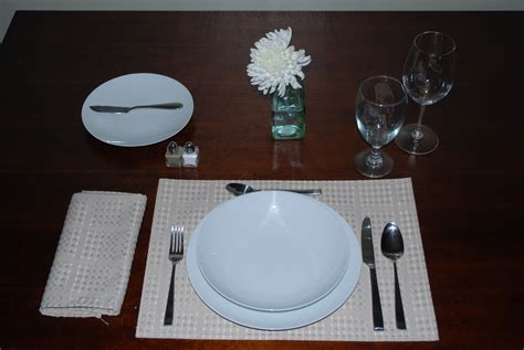 table setting for lunch table setting lunch eat shop sip