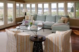 Living room beach with blue sofa coastal coral beeyoutifullife com