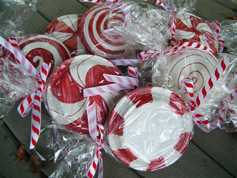 amy d randomly me paper plate peppermint candy tutorial