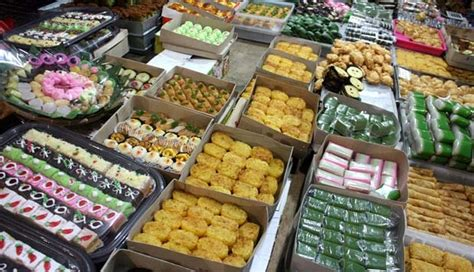 Jual Kue Kering Di Pasar Senen 30 000 traditional snacks to be served on solar eclipse