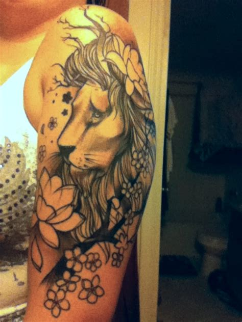 lion and flowers tattoo designs on upper arm tattoobite com