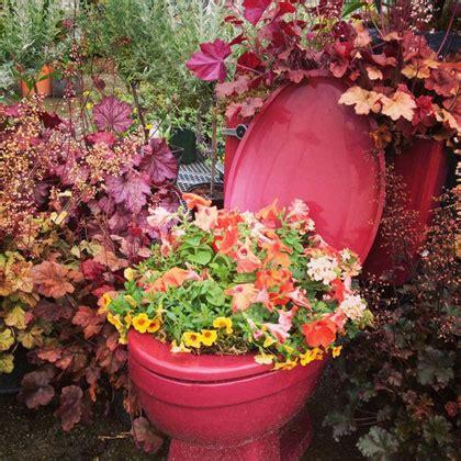 Toilet Flower Planter by Toiletpot Met Planten Toilet Planter Tuinieren Nl