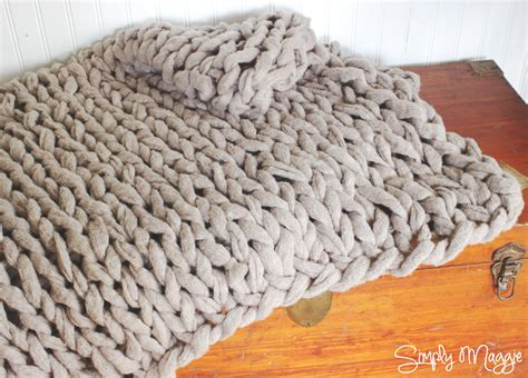 knit arm arm knit a blanket in 45 minutes by simply maggie