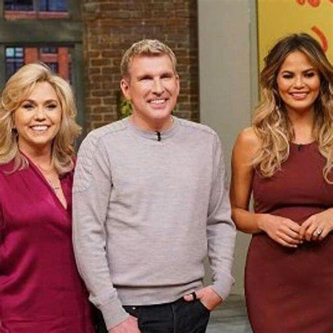todd chrisley and julie todd chrisley with wife julie chrisley christy teigen