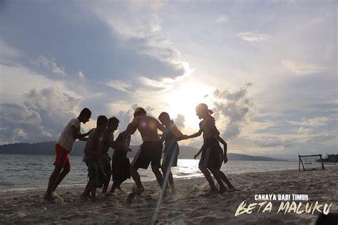 film kisah nyata cahaya dari timur beta maluku pandji pragiwaksono