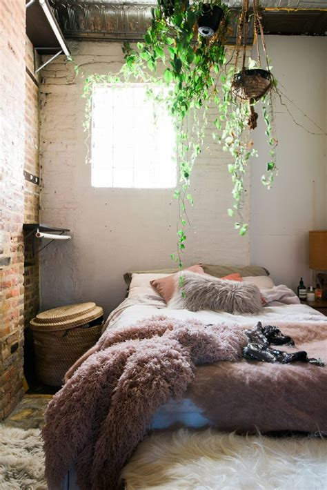 Plants In Bedroom by Best 25 Plants In Bedroom Ideas On