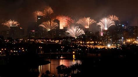 new year fireworks in melbourne best places to celebrate new year s 2015 in melbourne