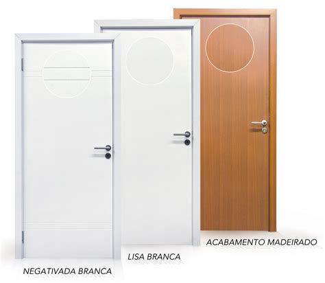 porta pvc portas brancas e cor amadeirada em wpc o pvc madeira