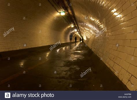thames river underground tunnel greenwich foot tunnel under the river thames from