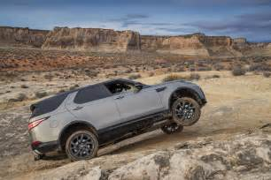 2017 land rover discovery road 02 motor trend