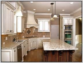 Antique white kitchen cabinets back to the past in modern kitchen